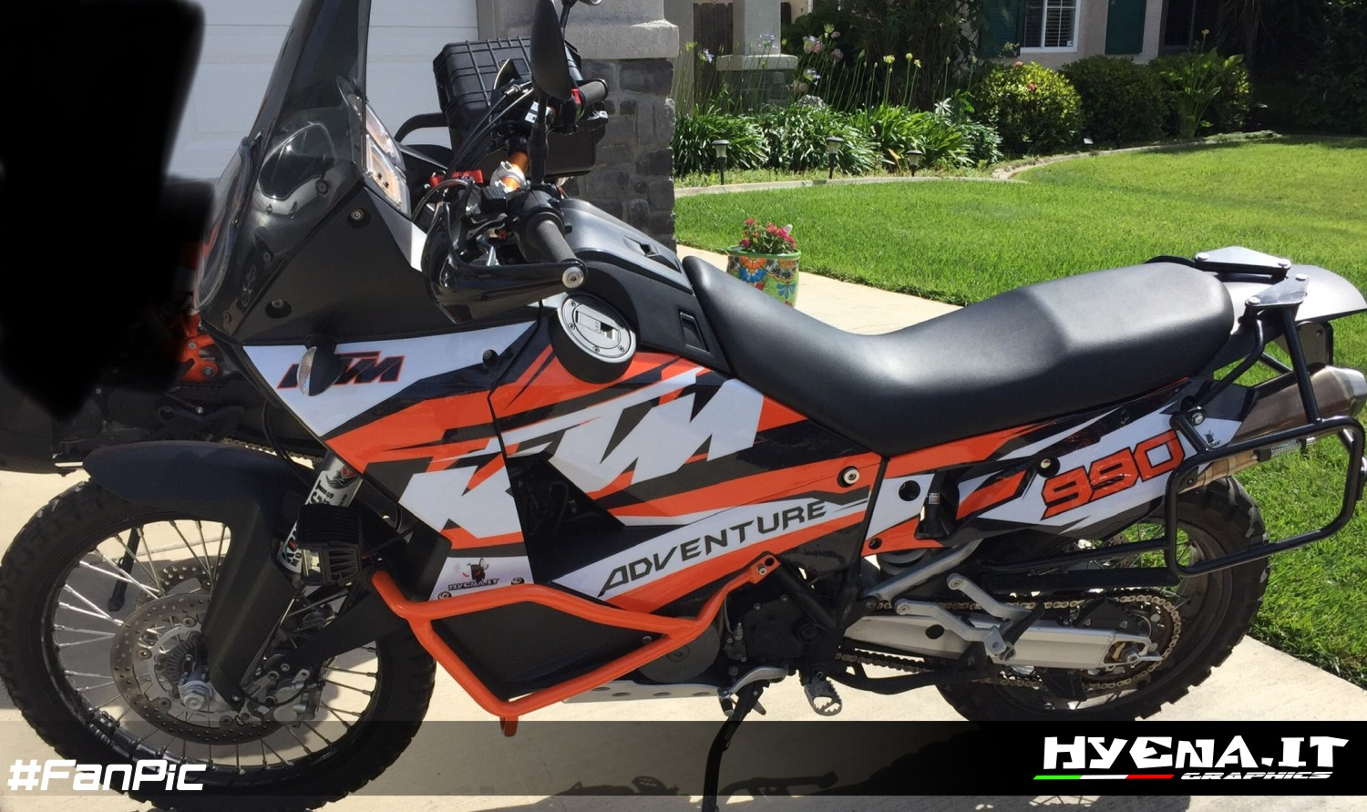 Customized graphic kit for KTM 990 Adventure | Customized delcas kit